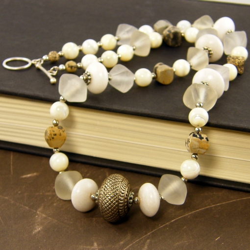 white-agate-necklace
